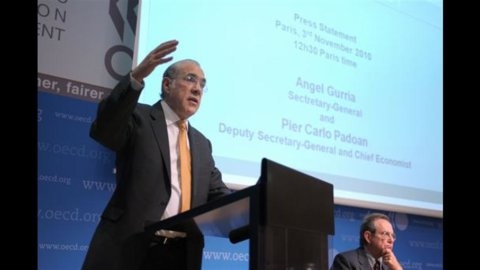 Ocse: costo del lavoro +0,5%, in Italia +0,8%