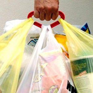 Sacchetti bio: si possono portare da casa ma costano di più