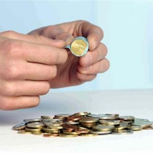Commercio extra Ue, Istat: a febbraio deficit italiano cala a 1,552 miliardi di euro