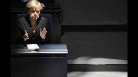 Merkel pronta ad aumentare il firewall europeo