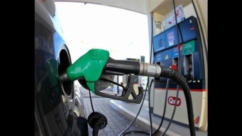 Benzina: torna la tassa disgrazia. Ed è subito rischio aumento