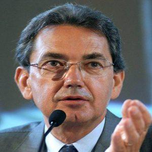 Le due frecce nell'arco della Telecom Italia di Bernabè: la vendita de La7 e lo spin off della rete