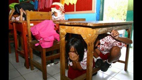 Terremoto in Indonesia, scatta l'allarme tsunami