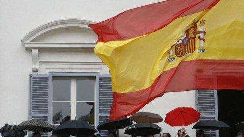Spagna, primo via libera al budget d'austerity dal Parlamento