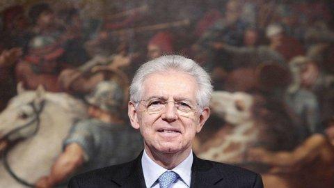 """Calcioscommesse, la proposta choc del premier Mario Monti: """"Fermiamo il calcio per 2-3 anni"""""""