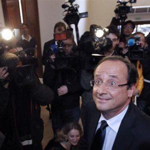 L'Economist, assist a Sarkozy: Hollande è pericoloso per l'Europa