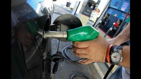 Benzina, continua la guerra degli sconti