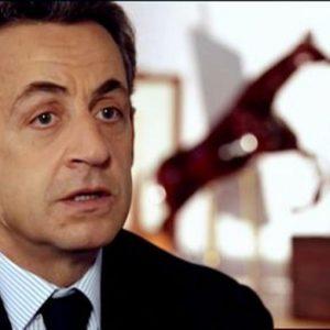 Sarkozy in stato di fermo: sospetti finanziamenti da Gheddafi
