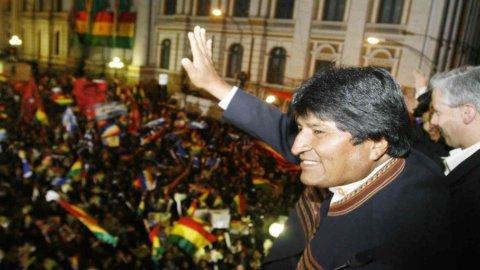 La Bolivia come l'Argentina: Evo Morales nazionalizza la spagnola Red Electrica