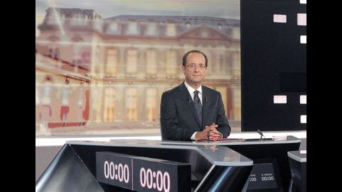 Elezioni in Francia, dibattito tv: Hollande resiste, Sarkozy non fa il miracolo