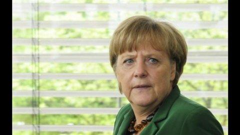 Merkel avverte Hollande: impossibile rinegoziare il fiscal compact