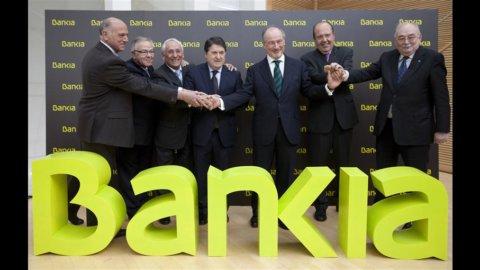 Spagna, Bankia: servono altri 15 miliardi, stop al titolo in Borsa