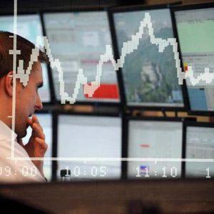 La speculazione prende di mira l'Italia: banche e Borsa nella tempesta, spread oltre quota 470