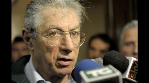 Lega, Bossi indagato a Milano: truffa ai danni dello Stato