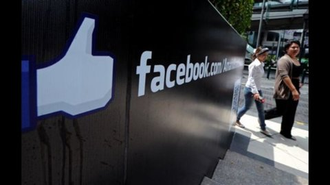 Facebook: in Italia giro d'affari da 2,5 miliardi