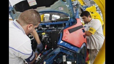 Fiat: stop di 10 giorni a Pomigliano