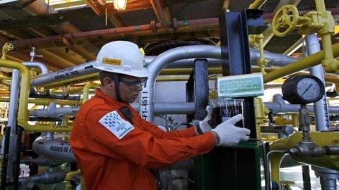 Petrobras, si dimette la presidente Foster