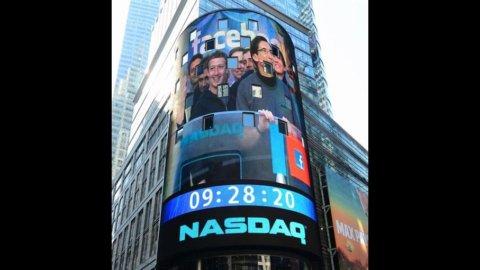 Facebook, terza giornataccia in Borsa: il titolo crolla ancora a Wall Street