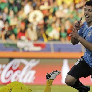 Mondiali: la Fifa apre un'inchiesta, Suarez rischia 24 partite di squalifica