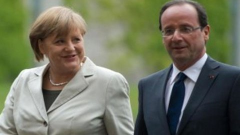 Eurobond, questa sera al vertice di Bruxelles inizia la battaglia Hollande-Merkel
