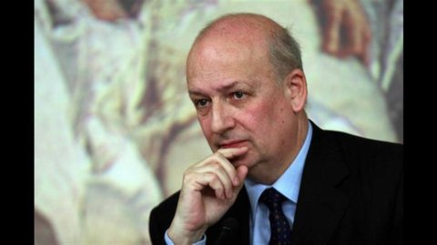 Pdl, è crisi: Bondi riconsegna le dimissioni, Berlusconi le rifiuta