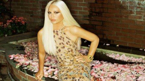 Crisi e lusso: anche Versace cerca un partner. L'obiettivo è la quotazione in Borsa entro il 2015