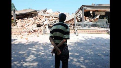 Terremoto Emilia: 17 morti, 8mila gli sfollati. Governo vara piano d'emergenza: aumenti per benzina