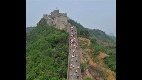 Cina, la Grande Muraglia si allunga