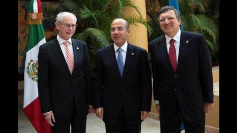 Elezioni, la Grecia ha scelto l'euro: vincono i conservatori di Samaras, presto governo con Pasok