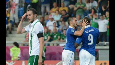 Europei: l'Italia batte l'Irlanda (2 a 0) con gol di Cassano e Balotelli e passa ai quarti