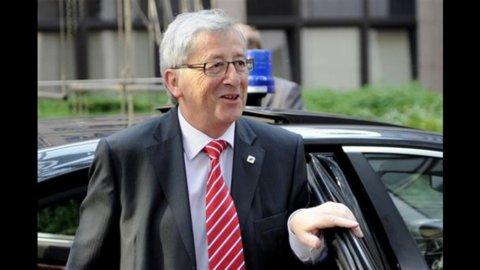 """Juncker contro la Merkel: """"Possibile dilazione scadenze prestiti Grecia"""""""