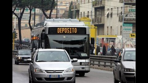 Sciopero trasporti, altro venerdì nero: a rischio autobus, tram e treni. Gli orari città per città