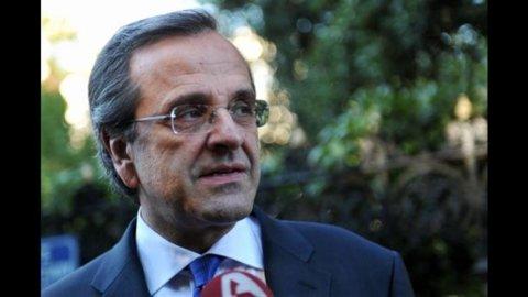 Grecia, premier Samaras ricoverato d'urgenza per il distacco della retina