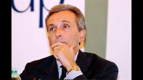 Governo: Grilli nuovo ministro dell'Economia, Monti lascia l'interim