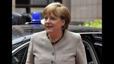Accordo Ue: gli spread crollano, volano euro e Borse