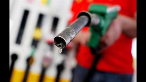 Benzina, ormai è guerra degli sconti. Da Esso un litro di verde si può pagare meno di 1,40 euro