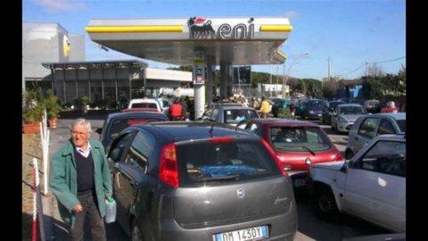 Benzina, l'effetto self si ribalta e tornano gli aumenti