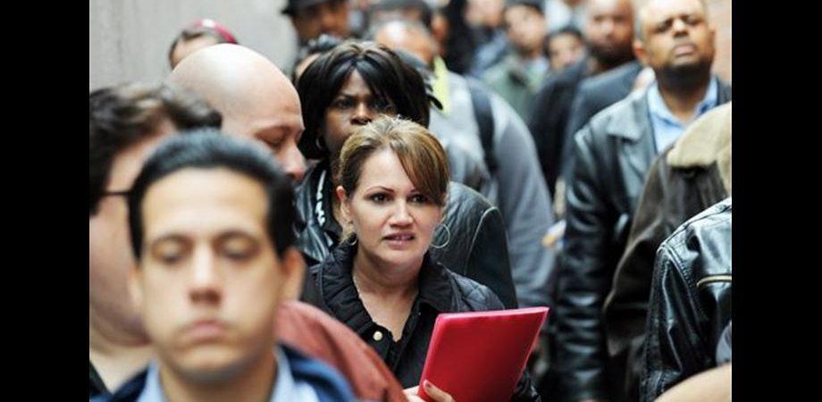 Indice Pmi servizi cala a 43 punti a luglio, al livello più basso da marzo 2009