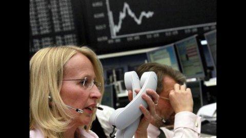 Il peggioramento dell'economia globale affossa le Borse: Milano e Madrid le peggiori, lo spread vola