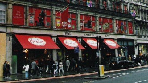 Londra, lo storico negozio di giocattoli Hamleys sta per passare in mano francese