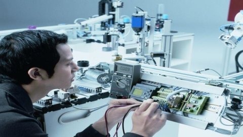 Hi-Tech: nasce oggi a St. Etienne il nuovo polo della meccatronica