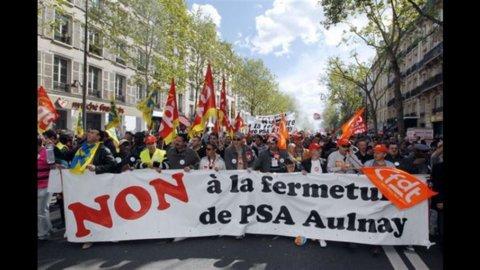 Peugeot, il governo francese non accetta il piano di ristrutturazione aziendale