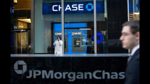JP Morgan delude: calano utili e fatturato