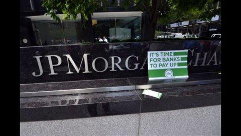 """La """"balena di Londra"""" lascia JPMorgan, per il ceo Dimon gran parte del problema è ormai alle spalle"""