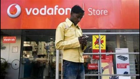 Vodafone, brusco rallentamento dei ricavi