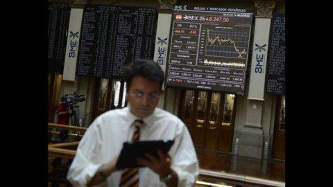 Il mal di euro sconvolge le Borse e gli spread: Milano recupera nel finale ma perde oltre il 2%