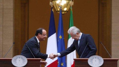 """Hollande dopo l'incontro con Monti: """"Applicare le decisioni del Consiglio Ue di giugno"""""""