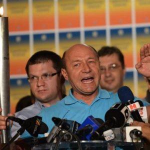 Romania, non è stato raggiunto il quorum per la destituzione del presidente Basescu