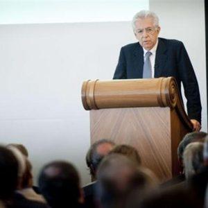 """Monti ad Helsinki avverte: """"Se lo spread rimane alto esiste il rischio di un governo anti-Ue"""""""