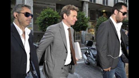 Grecia, Troika approva il piano di austerity